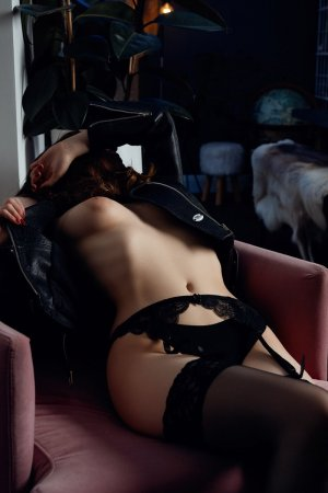 Garlonne nuru massage in Charleston West Virginia
